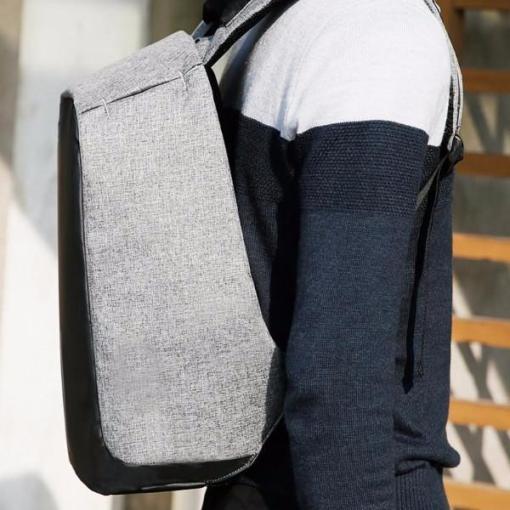 travel_backpack_side