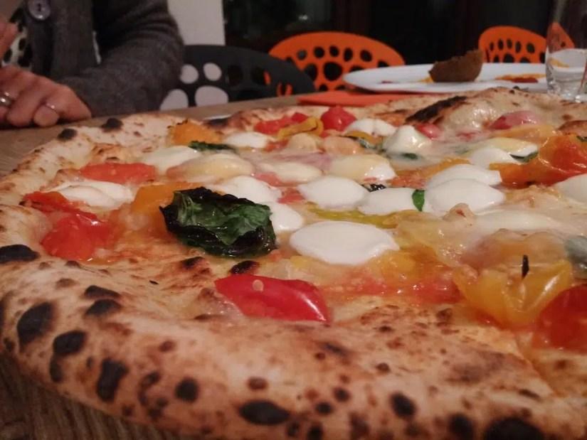 pizzeria-damichele-icondurro-milano1