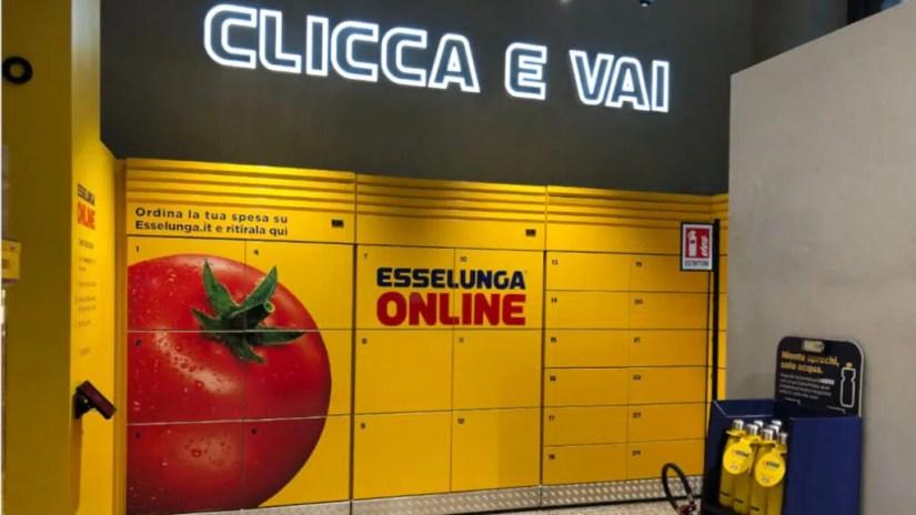 Intelligent retail locker