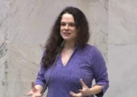 Janaina Paschoal pede a renúncia de Bolsonaro