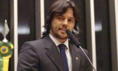 Bolsonaro vai criar o Ministério das Comunicações para atender pedidos de cargos do CENTRÃO