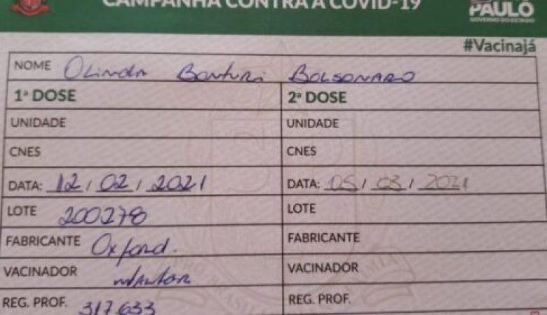 Mãe de Bolsonaro tomou vacina Coronavac - Bolsonaro mentiu
