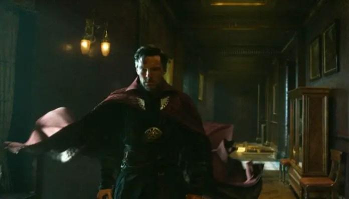 Benedict Cumberbatch como Doutor Estranho