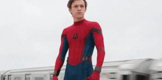 Imagem de Tom Holland como Homem-aranha (Homem-Aranha: De Volta ao Lar