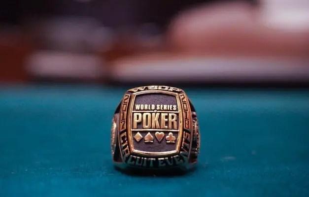 Anel de Poker