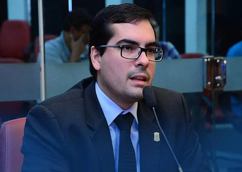 Vereador apresenta projetos antidrogas para a Capital