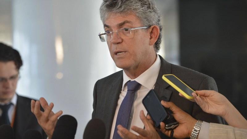 Governador Ricardo Coutinho discute parcerias com prefeito da cidade portuguesa de Beja