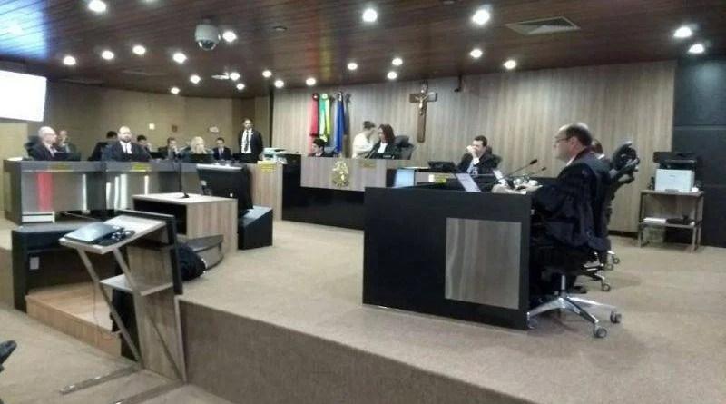 Juíza vota contra cassação de Ricardo e desempata votação de AIJE no TRE