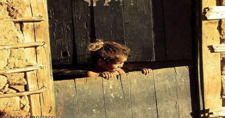 Quase metade da população da PB vive abaixo da linha da pobreza