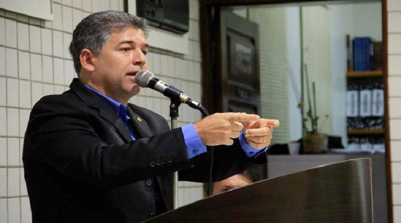 Veja a carta renúncia apresentada por Leto Viana à Câmara de Cabedelo