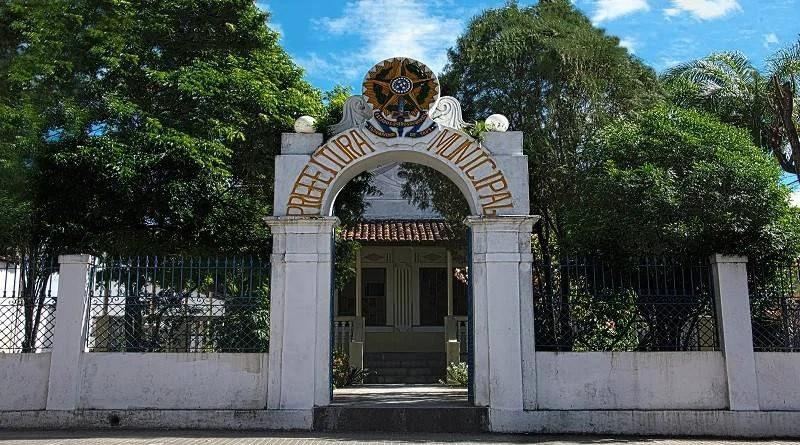 """Rede de escândalos: mais um prefeito da Grande João Pessoa enfrenta """"enxurrada"""" de denúncias de corrupção"""