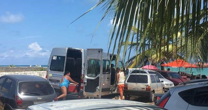 Van da Prefeitura de Monteiro é flagrada transportando turistas na capital. Secretário envia resposta