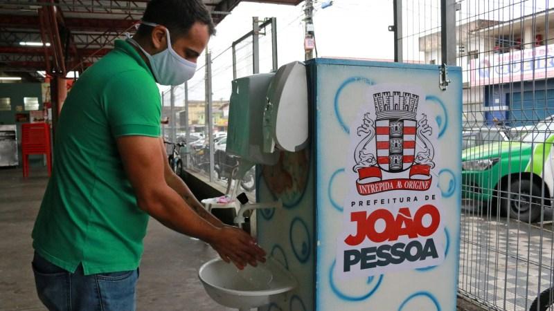 Prefeitura de João Pessoa instala pias portáteis em mercados públicos e distribui 100 mil máscaras