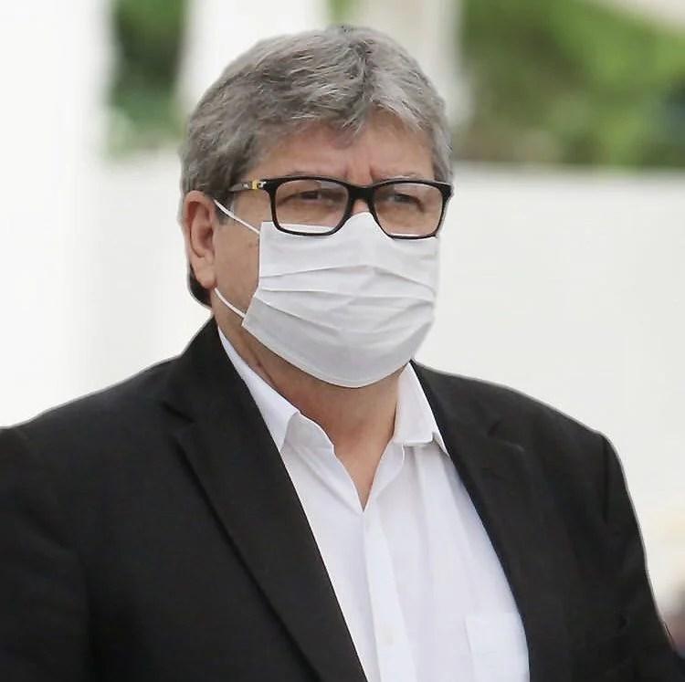 João Azevêdo sanciona lei que impede hospitais privados de recusarem pacientes da Covid-19