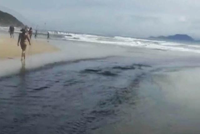 Poluição no Rio Capivari
