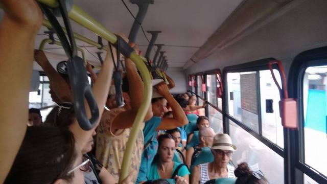 Superlotação da linha Costa do Moçambique irrita passageiros