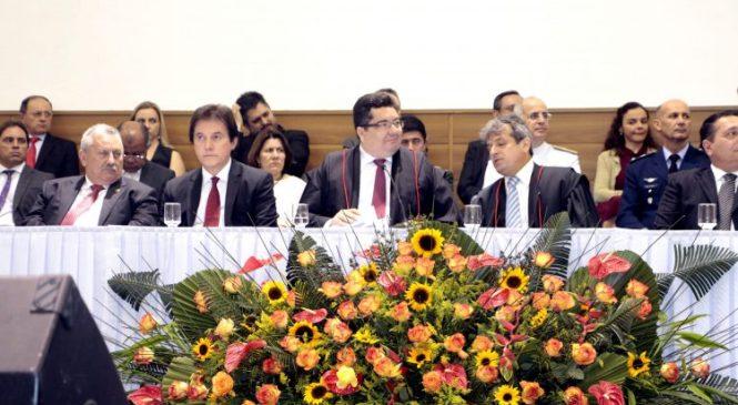 Robinson ressalta parceria com Poderes na posse do novo PGJ do Ministério Público