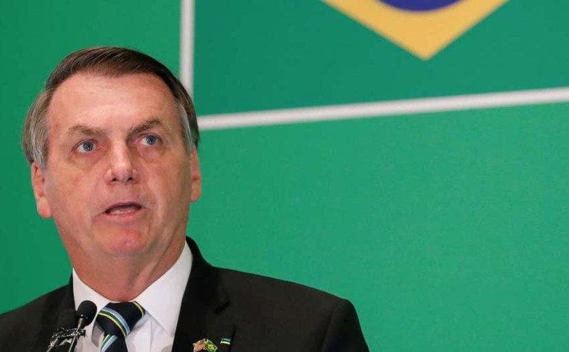 Contra impeachment, Bolsonaro topa até golpe militar