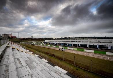 Cirino vence na retomada do automobilismo brasileiro em Cascavel.