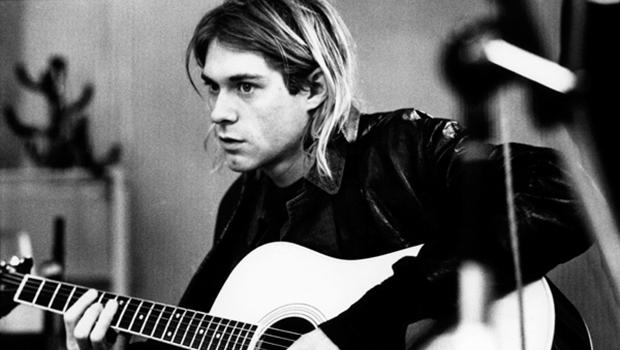 Investigador descobre rolos de filmes com fotos não reveladas da cena de morte Kurt Cobain