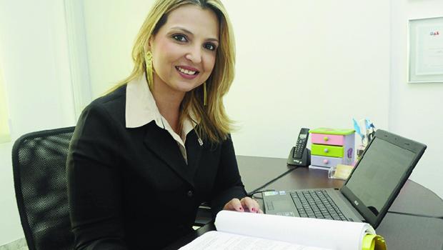 """Presidente da Comissão de Direitos Humanos da OAB-GO, Mônica Araújo: """"Verificar a situação dos presídios na capital e no interior"""""""
