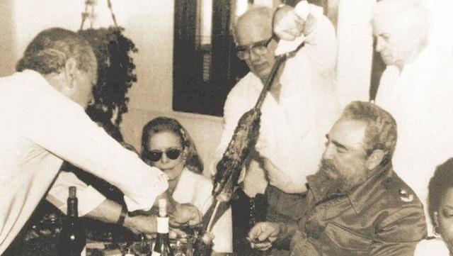 Biógrafo diz que Brizola devolveu dinheiro a Cuba e que não há prova de que Fidel o tenha chamado de El Ratón