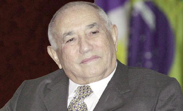 Siqueira Campos renuncia ao mandato de governador numa manobra que politicamente pode ser um tiro no pé