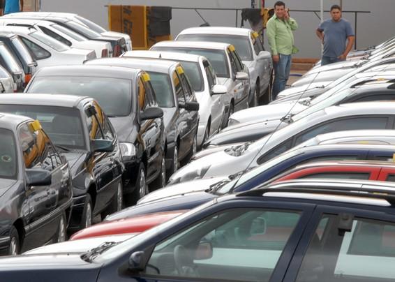 Governo cria pacote emergencial para incentivar setor de montadoras