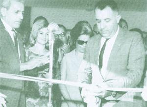 Governador Otávio Lage durante inauguração de obra. Seu governo presenciou a construção e abertura de várias estradas em Goiás