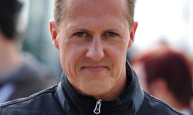 Michael Schumacher deixa UTI e vai para ala de reabilitação