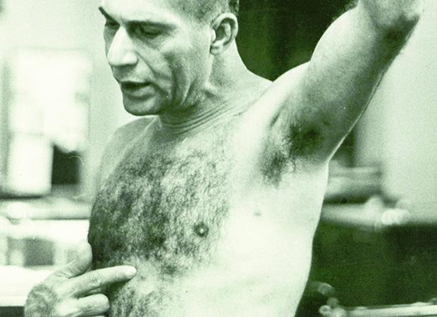 Carlos Marighella: padecendo torturas bárbaras, como muitas outras vítimas de ditaduras antes de 1964
