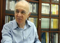 esar Romero Jacob e Carlos Pereira, cientistas políticos com doutorado: o primeiro diz que a terceira via tem dificuldade para se firmar no Brasil. Foto: Camila Grinsztejn
