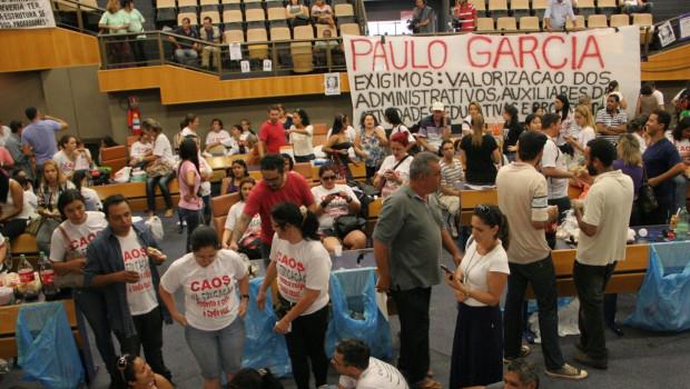 Professores municipais de Goiânia prometem inicio de greve para segunda