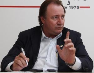 Júnior Friboi: aliado diz que é candidato e que não tem volta