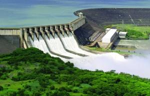 Hidrelétrica da Cemig localizada no Rio Paranaíba, em São Simão (GO): empresa mineira é a maior distribuidora do País / Foto: Cemig