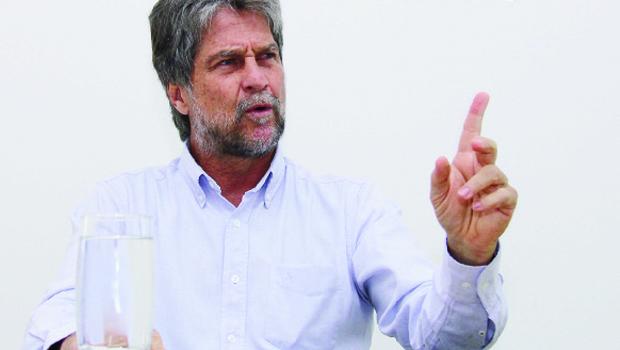 """""""Os políticos precisam colocar  o Brasil acima de seus partidos"""""""