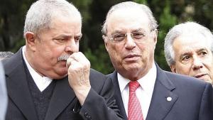 Ex-presidente Luiz Inácio Lula da Silva e Paulo Maluf durante ato que selou apoio do PP a Fernando Haddad, em junho de 2012   Foto: Epitáceo Pessoa - Estadão