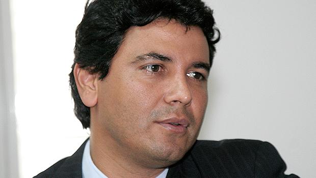 Justiça determina bloqueio de bens em mais de R$ 1 milhão de Ricardo Fortunato