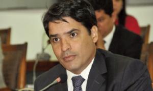"""""""O Marcelo Lélis, do PV, tem índice acima de 17% das intenções de voto, então ele se torna uma ameaça a quem domina o aparelho político. Da mesma forma o ex-governador Marcelo Miranda"""""""
