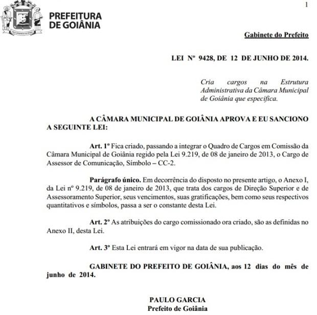 Documento eletrônico que comprova a criação de duas vagas para o cargo de assessor de comunicação para a Câmara | Foto: Divulgação/Prefeitura Municipal