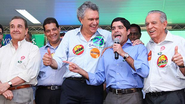 Cúpula nacional do DEM avaliza Caiado e Iris no dia em que declara apoio a Aécio à presidência