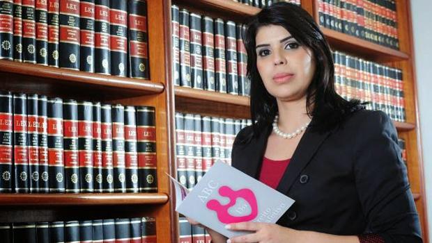 Cynthia Barcellos quer que sejam aplicadas sanções civis e administrativas a quem cometer atitudes discrminatórias contra a comunidade LGBT