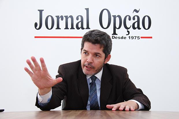 Atento às redes sociais, delegado Waldir Soares quer ouvir demandas de internautas | Foto: Fernando Leite/Jornal Opção