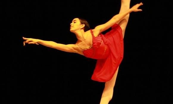 Bailarina goiana se apresenta em Gala Internacional que reúne os melhores do mundo