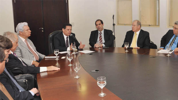 Marconi assina protocolo de intenções para a produção de biogás no Estado