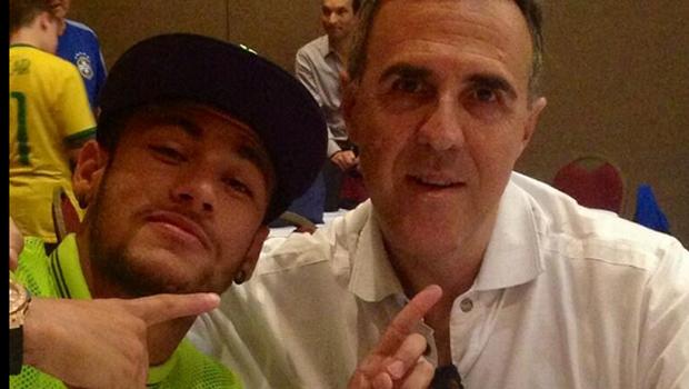 """Empresário de Neymar chama Felipão de """"velho babaca, prepotente e ridículo"""""""