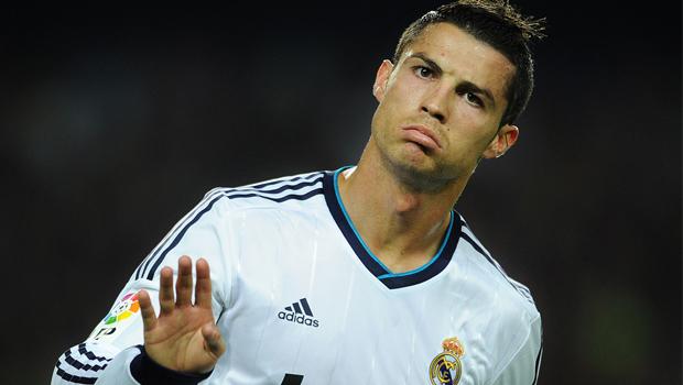 Mãe de Cristiano Ronaldo tentou abortá-lo