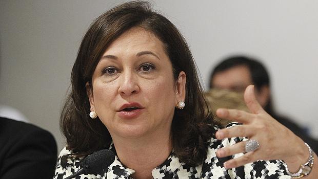 Kátia Abreu pede intervenção no sistema de saúde pública do Tocantins