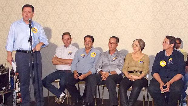 Durante campanha, Marconi Perillo reuniu-se com autoridades de Luziânia | Foto: Divulgação