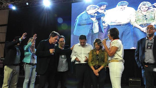 Líder da igreja Sara Nossa Terra declara apoio à reeleição de Marconi Perillo